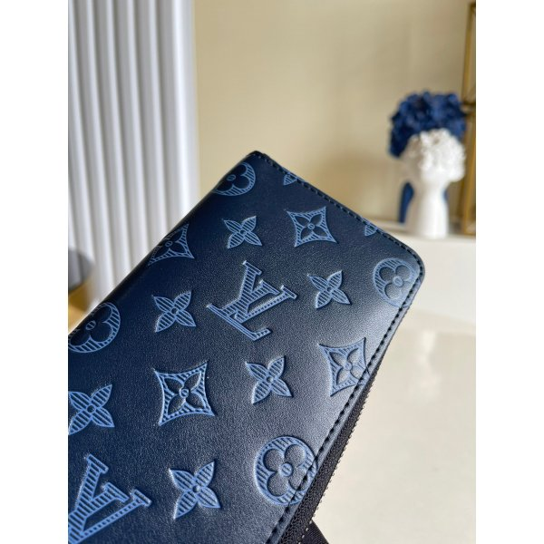 Louis Vuitton High Quality M80424 Discovery Compact Wallet G65