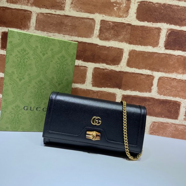 Gucci AAA+ 658243 Diana chain wallet Replica leather Fashion